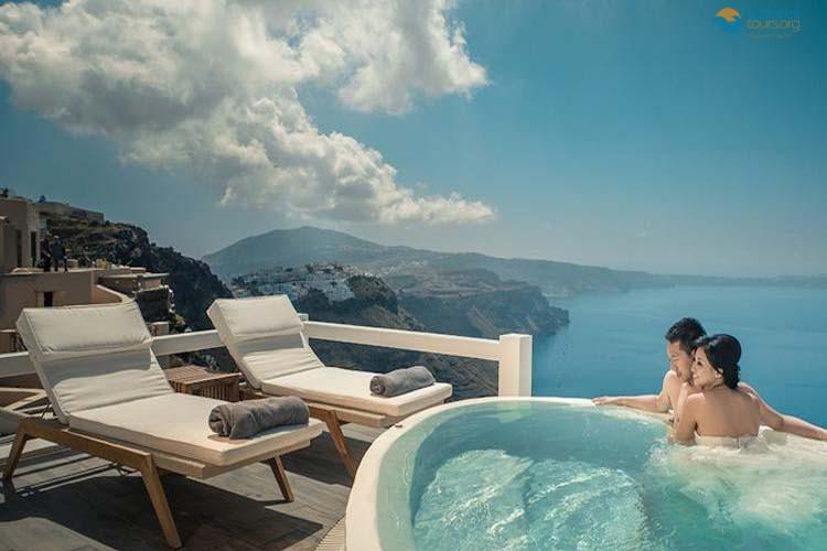 Holidays in Santorini: Summer vacations 2018