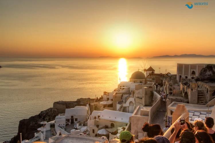 ENJOY THE MOST BREATHTAKING SUNSET IN SANTORINI