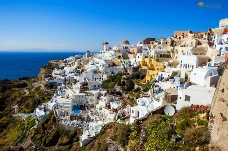 9-things-you-should-definitely-do-in-santorini