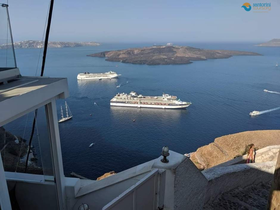 5-reasons-to-visit-santorini-for-summer-vacation