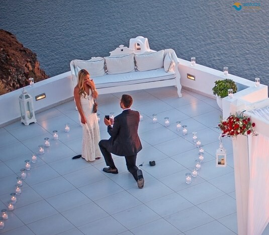 Will-you-marry-me-with-Santorini-private-tours