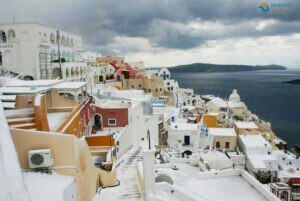 Why-visit-Santorini-in-winter