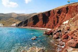 The-9-most-impressive-beaches-of-Santorini