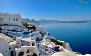 9-reasons-to-visit-santorini-in-2021