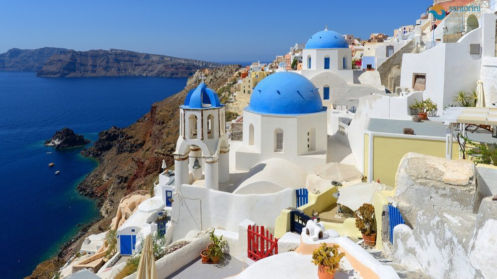 discover-the-beauty-of-santorini-in-2021