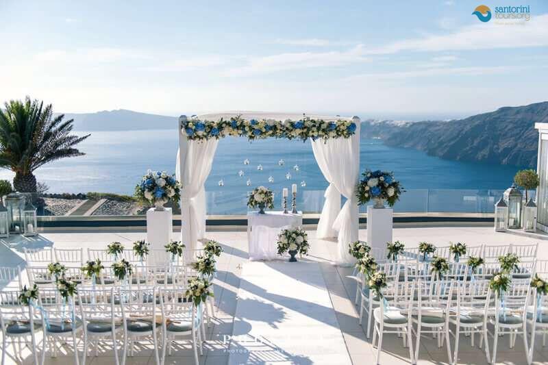 have-a-romantic-wedding-in-santorini